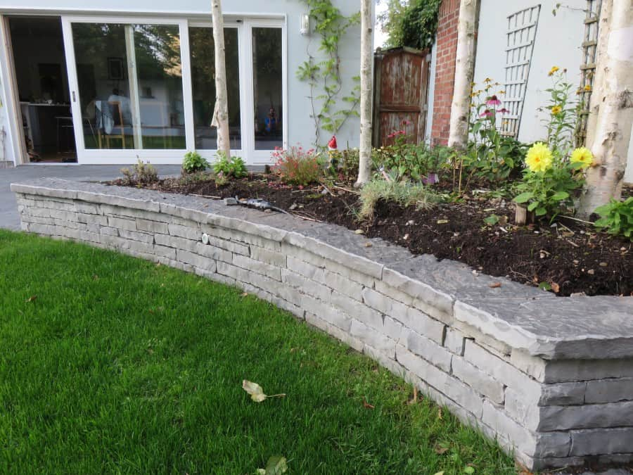 Perfect Our Flagstone Wall Capping Seen Here With Our Guillotined Building Stone In  A Garden Setting